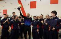 Myers dona il trofeo della gara da tre punti a San Patrignano