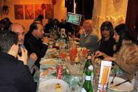 Origgio (Va) invasa dai sosia: simpatica iniziativa a Capodanno