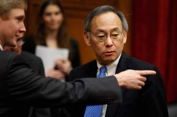 Il Nobel Steven Chu molla Barack Obama, il segretario per l'energia rassegna le dimissioni