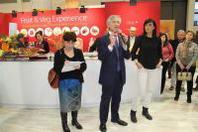 Mr Fruitness a Berlino nello stand Italy dà il benvenuto al Fruit&Veg Experience