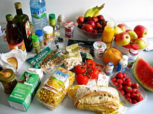 Calcolare le calorie degli alimenti con le tabelle di riferimento