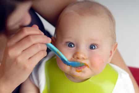 svezzamento o alimentazione complementare