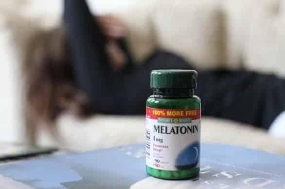 Le funzioni della melatonina, il suo ruolo nell'insonnia e le controindicazioni