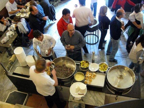 Street Food: cibo da strada: il panino con la milza