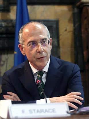 La proposta di Bersani: cancellare il ministero dell'Ambiente per il rilancio della green economy