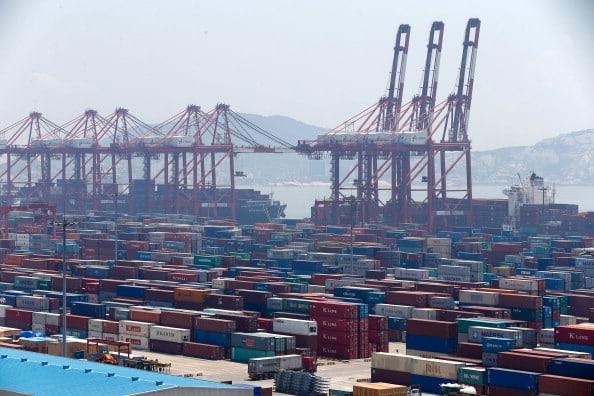 Inquinamento, porti cinesi in crisi per le emissioni delle navi cargo