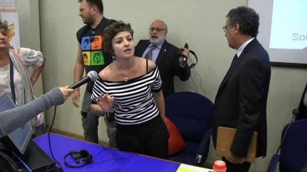 Terra dei Fuochi, Mantovani (ISS) e Lorenzin contestati a Napoli al forum Greenaccord