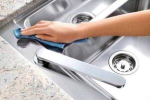 Come pulire l'acciaio in maniera green con prodotti 100% naturali