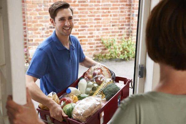 Consegna acqua a domicilio Milano: come scegliere quella frizzante