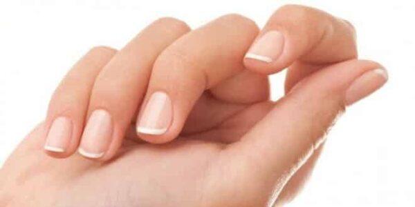 Come avere unghie lunghe e resistenti al naturale