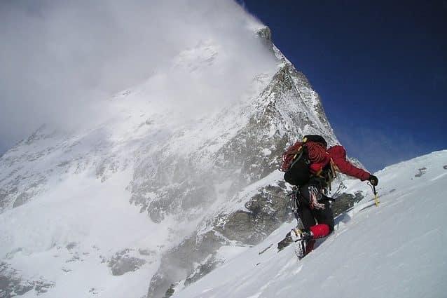 In montagna siamo a rischio psicosi: aumentano allucinazioni e incidenti mortali in alta quota