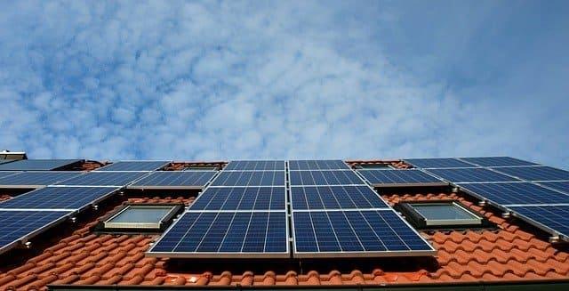Illuminazione ad energia solare ha percorso una lunga strada