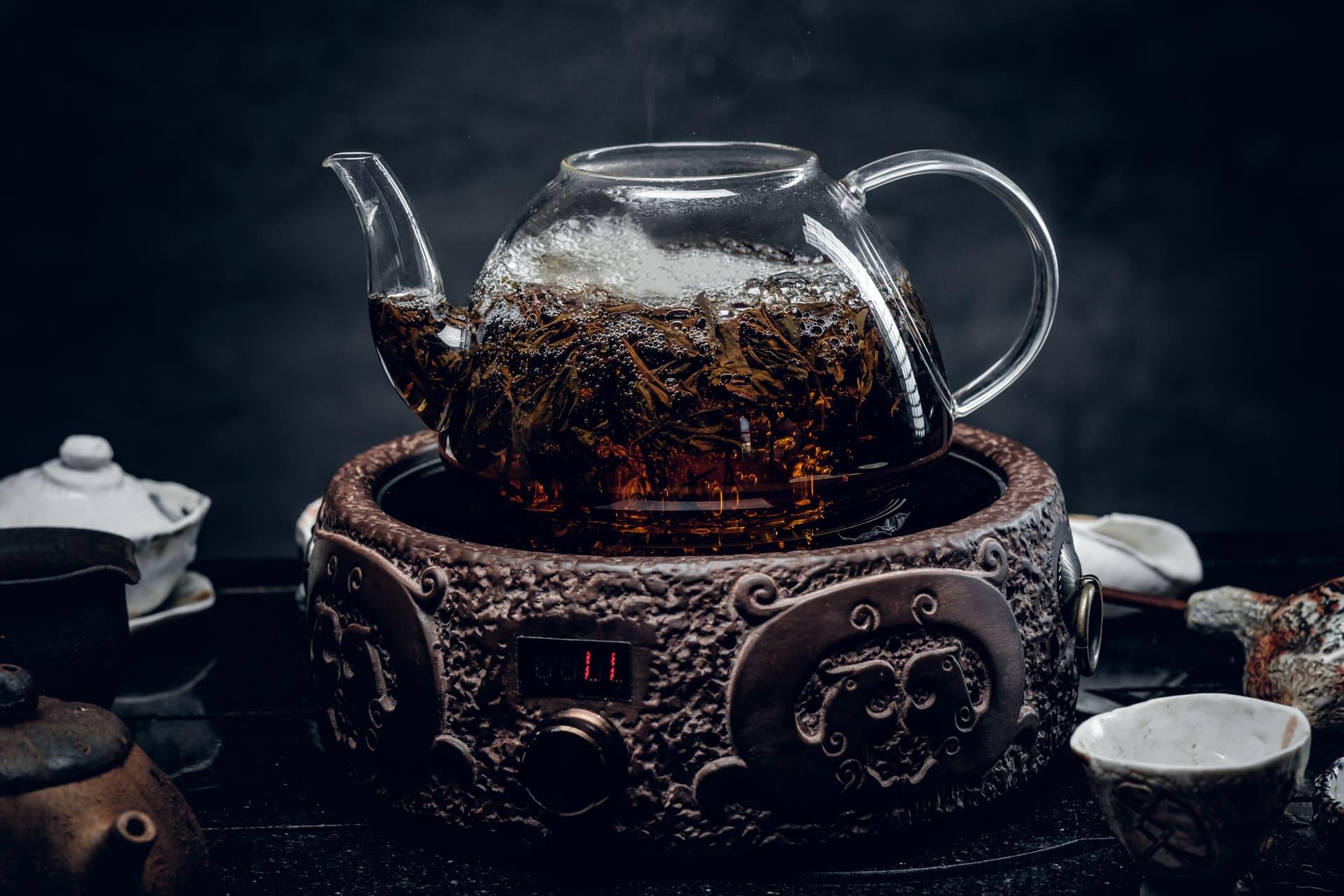 tè verde e tisane drenanti stimolano la diuresi ed aiutano in caso di ritenzione idrica